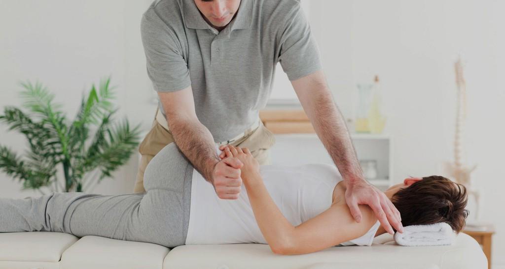 osteopatia mossa braccio.jpg