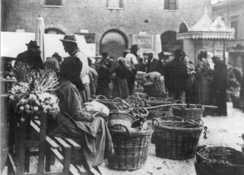 mercato vecchiox.jpg