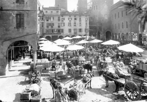 piazza cavourx.jpg