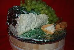 gorgonzola croce fetta.jpg