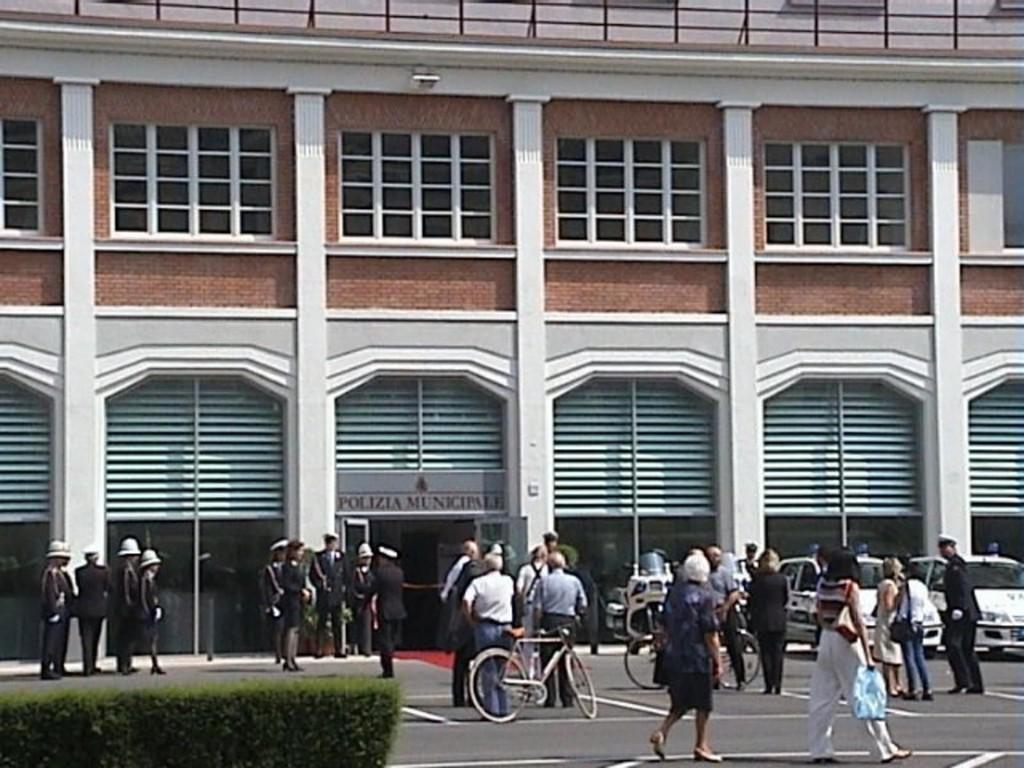 emfarchitectural-giuseppe-cruciani-fabozzi-studio-campanella-tessoni-carlo-blasi-nuova-sede-della-polizia-municipale-di-cremona.jpg