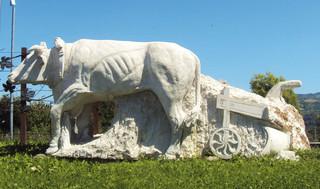 monumento-bue-carru.jpg